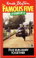 "englisches Buchcover: ""Five run away together"" (C)"